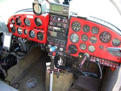 Old Cockpit - Instrument Panel Pre-FP5.jpg